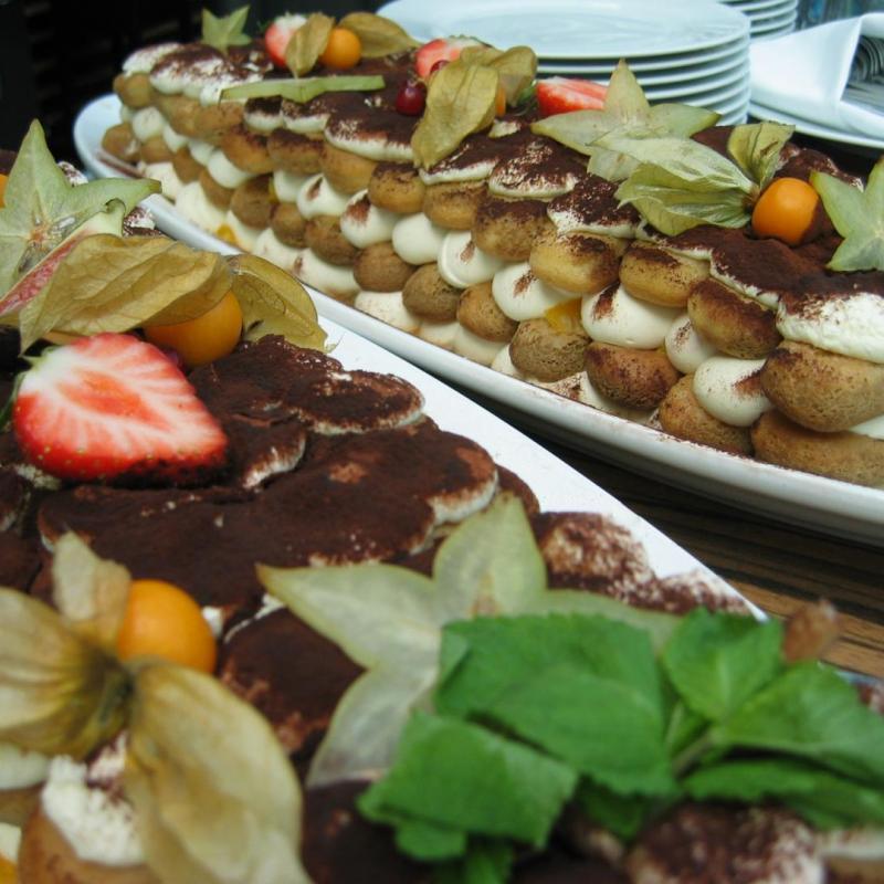 Unser Tiramisu, nicht nur ein Hingucker!  | Messerich Catering