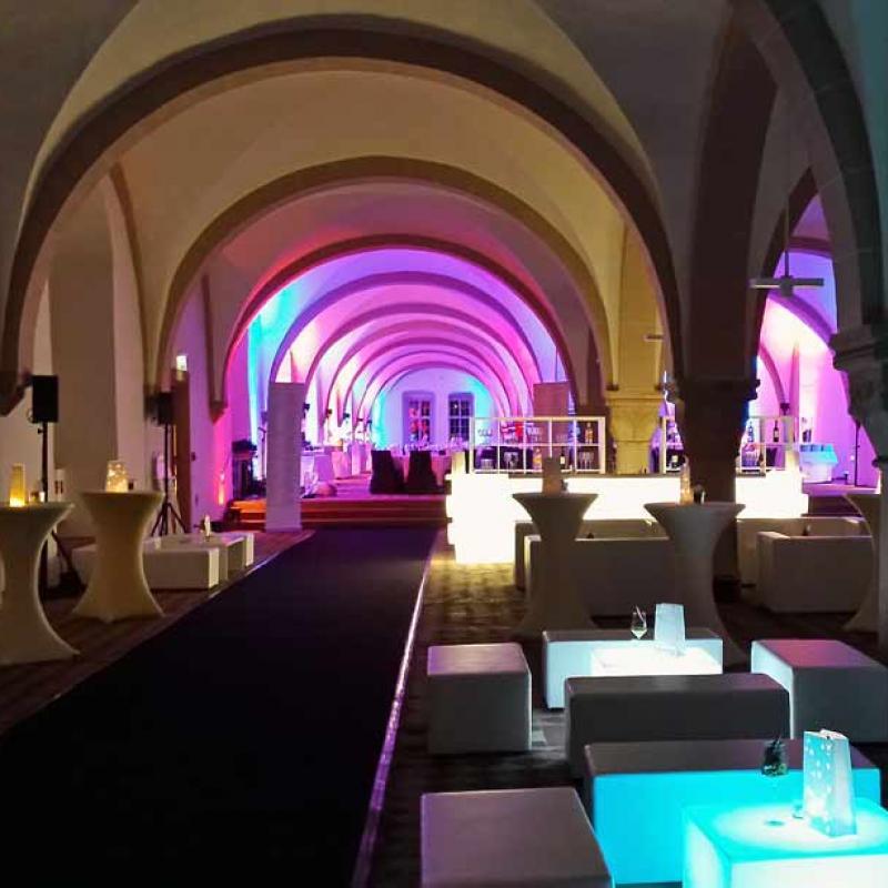 Lounge - und Dinnerbereich im Kloster Eberbach | Messerich Catering