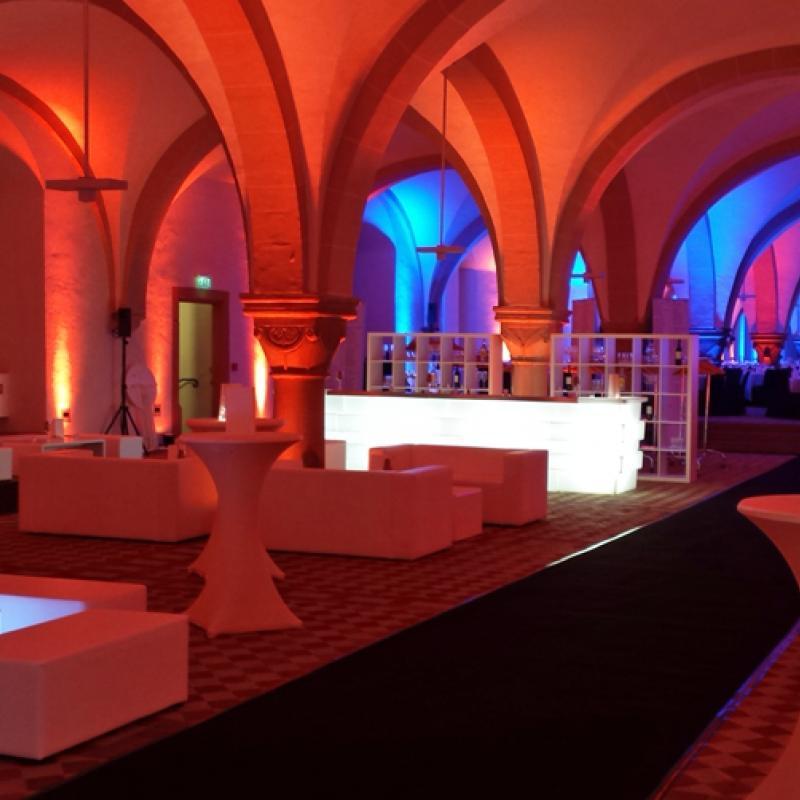 Lounge - und Dinnerbereiche im Kloster Eberbach | Messerich Catering