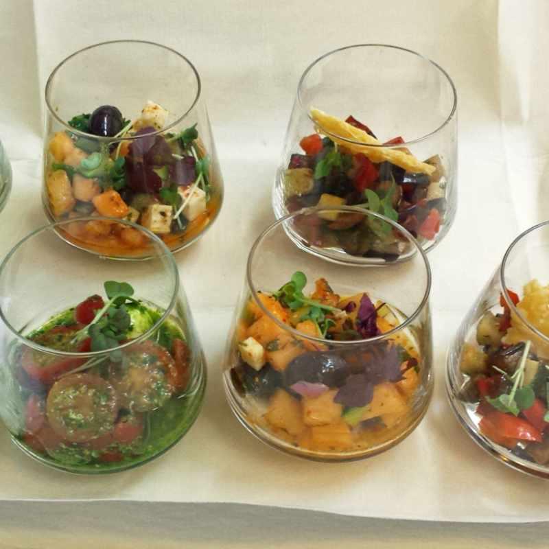 Salat im Whiskeytumbler im flying Service | Messerich Catering