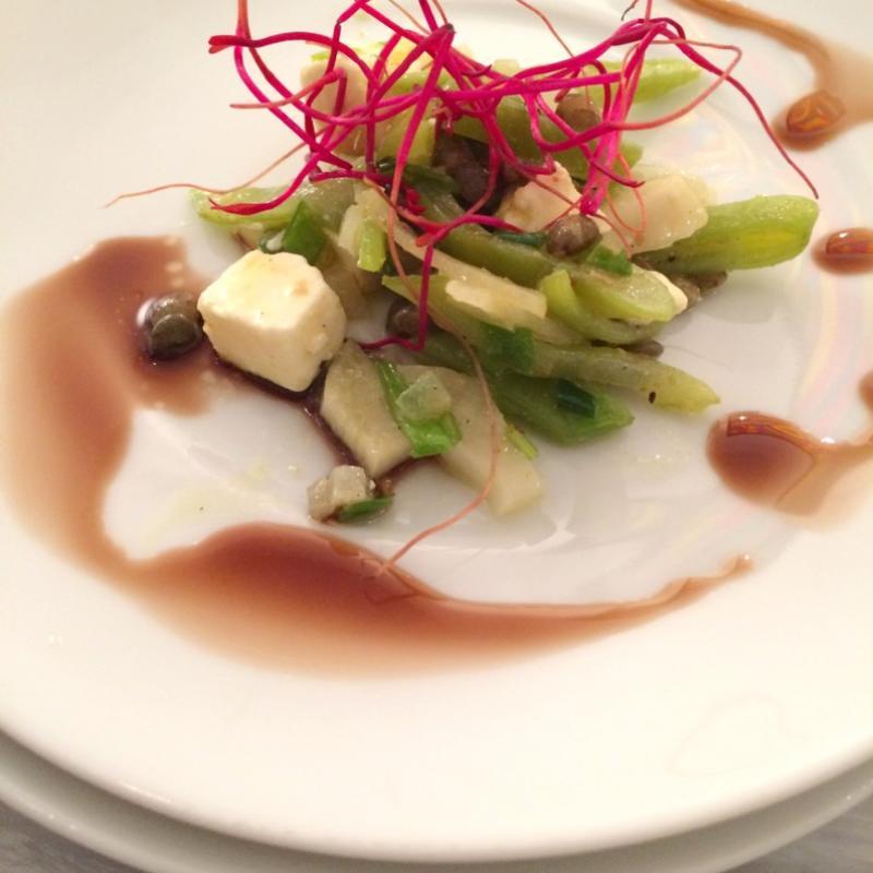 Linsensalat mit Bohnen, Schalotten Fenchel, Basilikum und Schafskäse  | Messerich Catering
