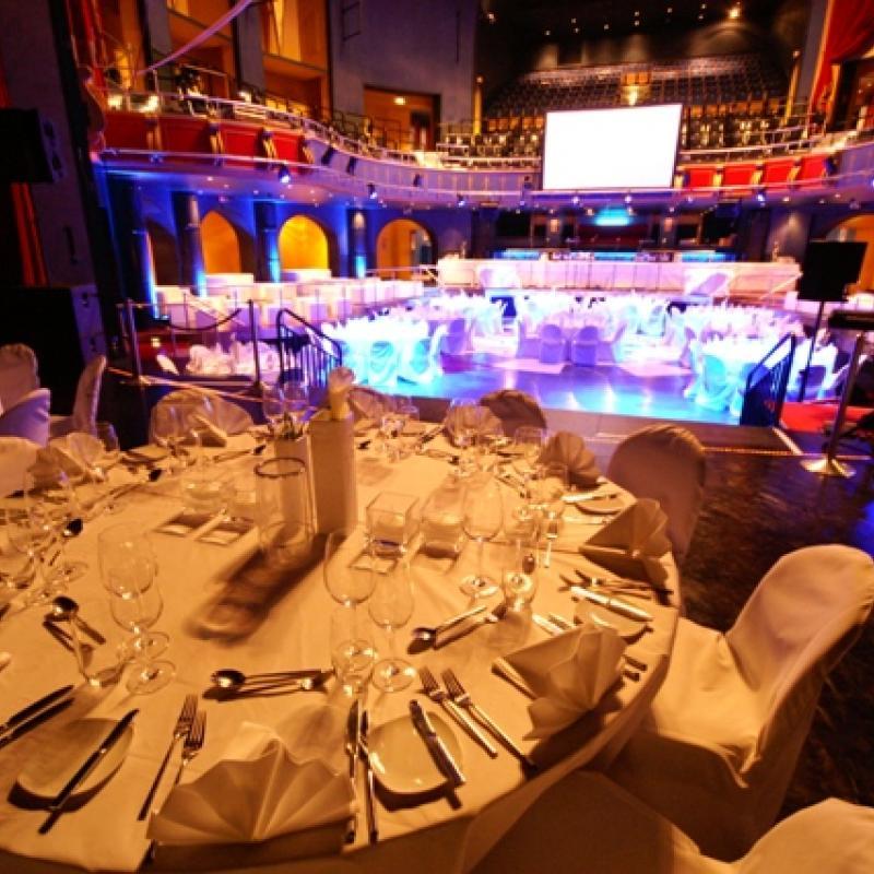 Location Capitol Offenbach - Blick von der Bühne in den Theaterraum  | Messerich Catering