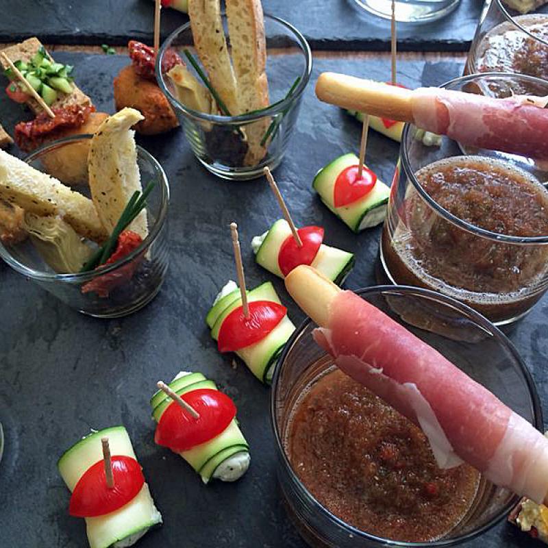 Leckeres Fingerfood von der Schieferplatte | Messerich Catering