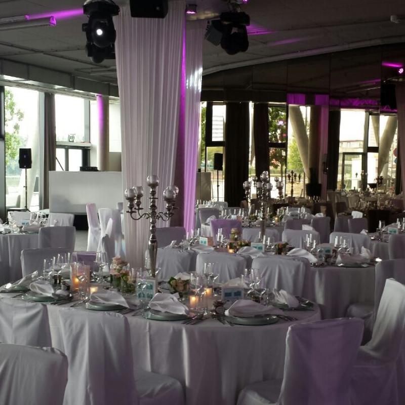 Hochzeit feiern im Westhafenpier Frankfurt  | Messerich Catering