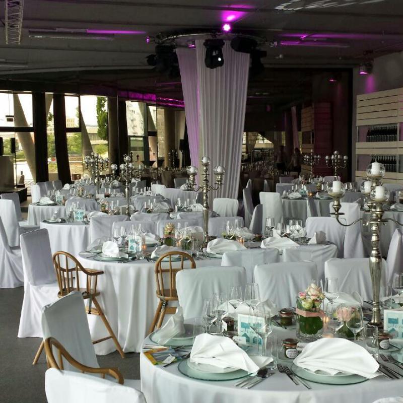 Hochzeit feiern im Westhafenpier, Frankfurt a.M.| Messerich Catering