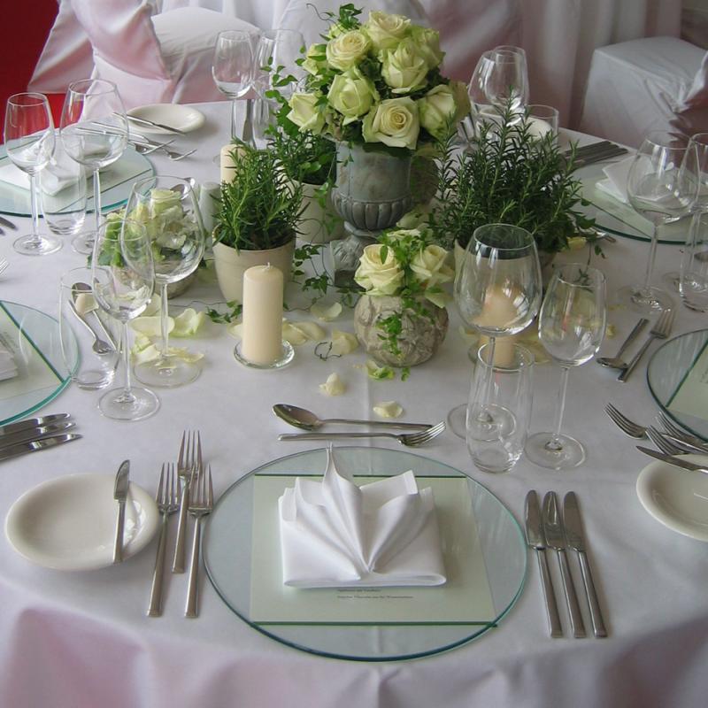 Gedeckter Hochzeitstisch | Messerich Catering