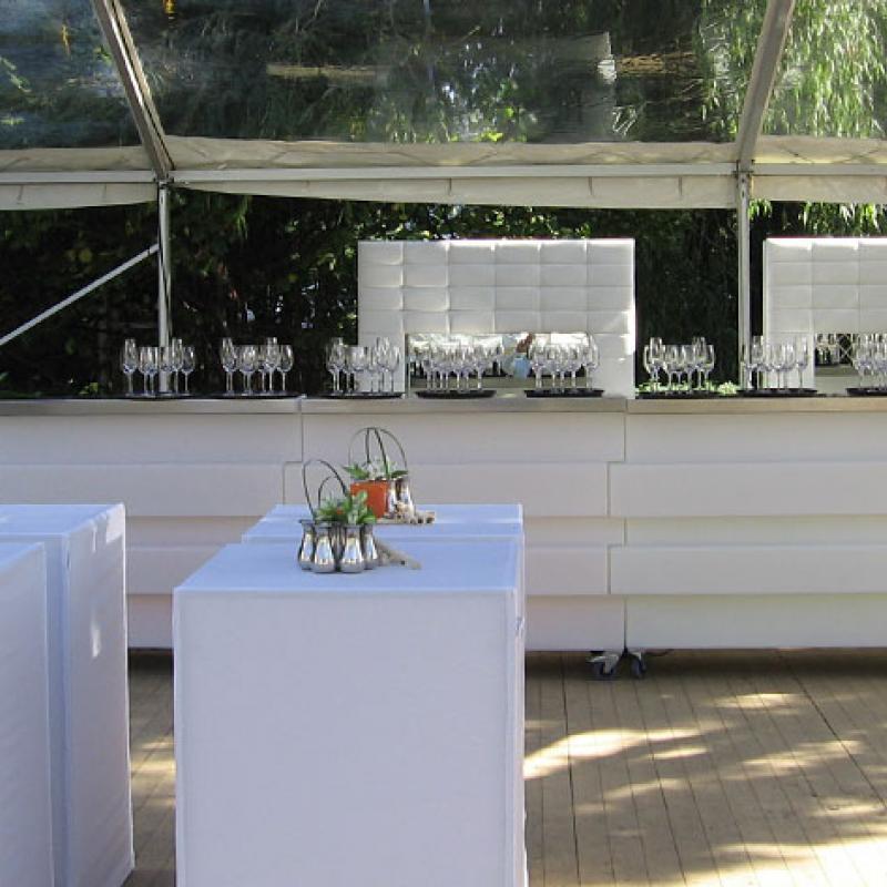 Unsere moderne Getränke  - und Cocktailbar  | Messerich Catering