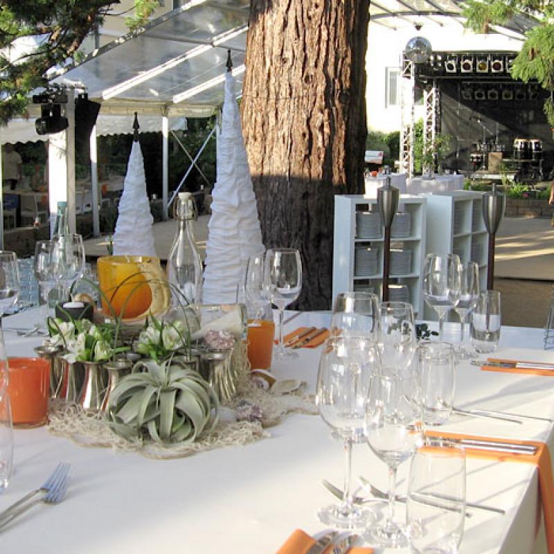 ...relaxen unterm Baum - unser Eventcatering  | Messerich Catering