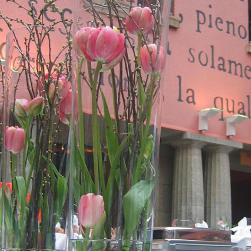 Buffetdekoration im Atrium des Capitol Offenbach  | Messerich Catering