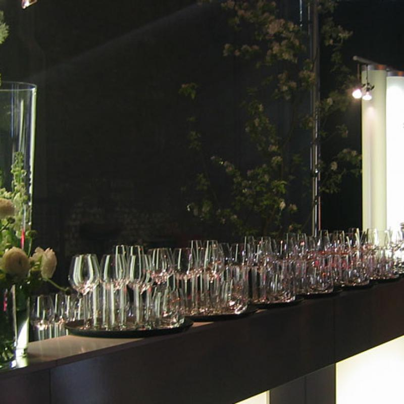 Wunderschöne Leuchtbarelemente als Getränkebar  | Messerich Catering
