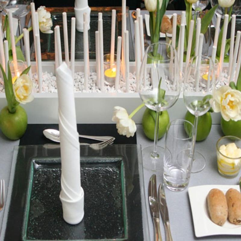 ...auch so könnte die Tischeindeckung aussehen - modern und beeindruckend!  | Messerich Catering