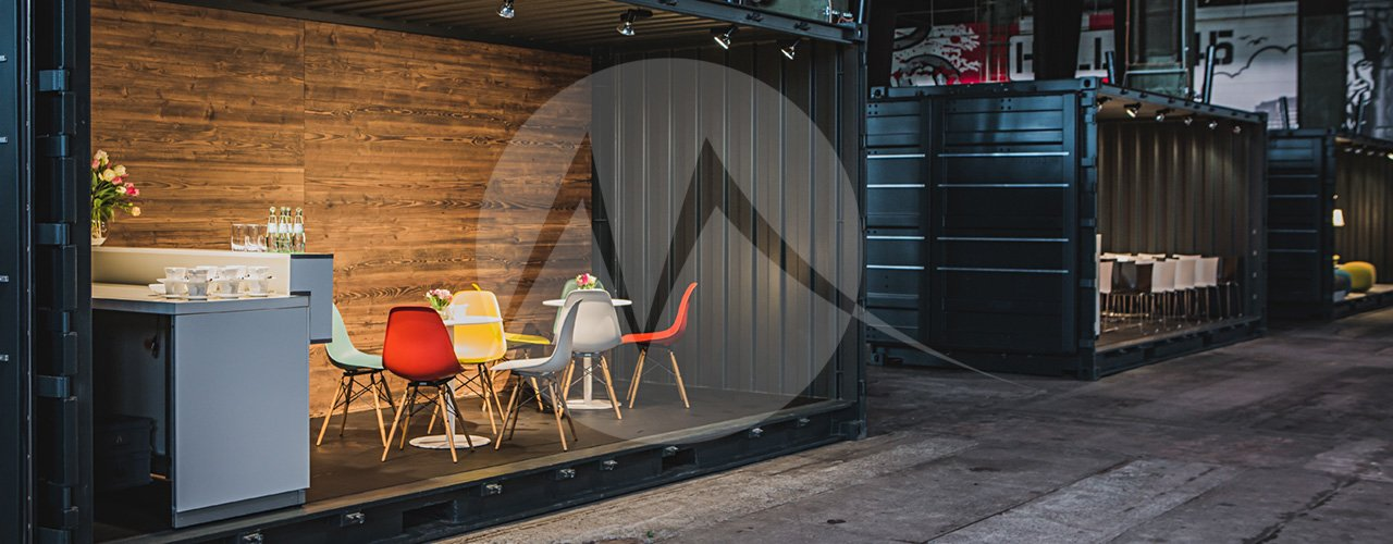 High-Cube Container – Messe, Messecafe
