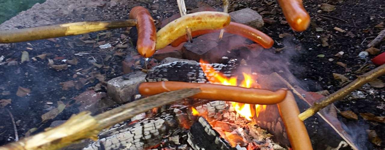 Grillen über Feuer